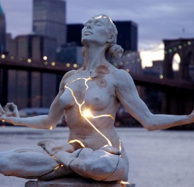 Cracked Light Sculpture, New York