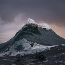 Amazing Photos Of Waves That Look Like A Mountains