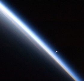 crescent moon earths atmosphere