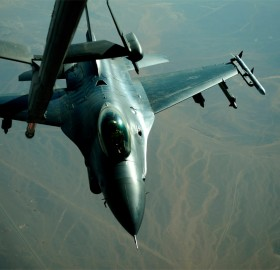 f-16 approaches for refueling