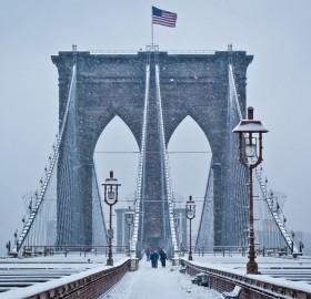 brooklyn bridge under snow
