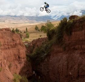 canyon jump in peru