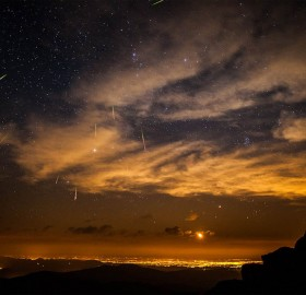 meteor shower over denver, colorado