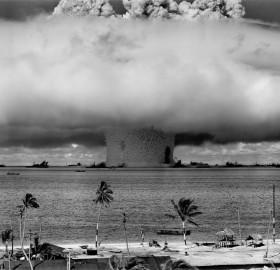 nuclear explosion at bikini island, 1946