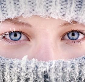 beautiful eyes and frozen eyelashes