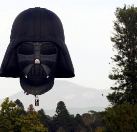 hot air balloon shaped like darth vader`s head
