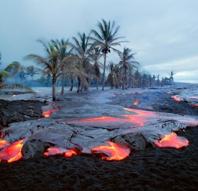 kamoamoa volcano beach, hawaii