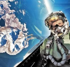 F-16 pilot takes selfie