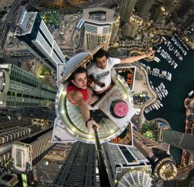 101-Storeys high selfie