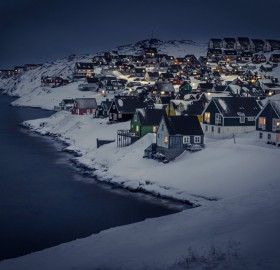 myggedalen village at night, greenland
