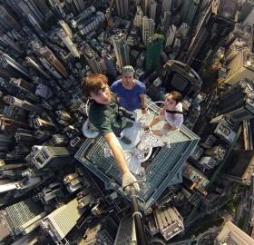 Crazy Selfie Taken on Hong Kong's Skyscraper Roof